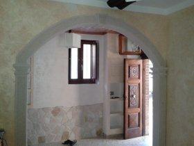 Arco interno rivestito in pietra triesta arte pietra snc - Archi in pietra interno casa ...
